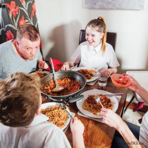 Family Dinner iStock-947251824